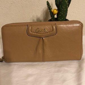 Coach zip up multi card wallet acorn